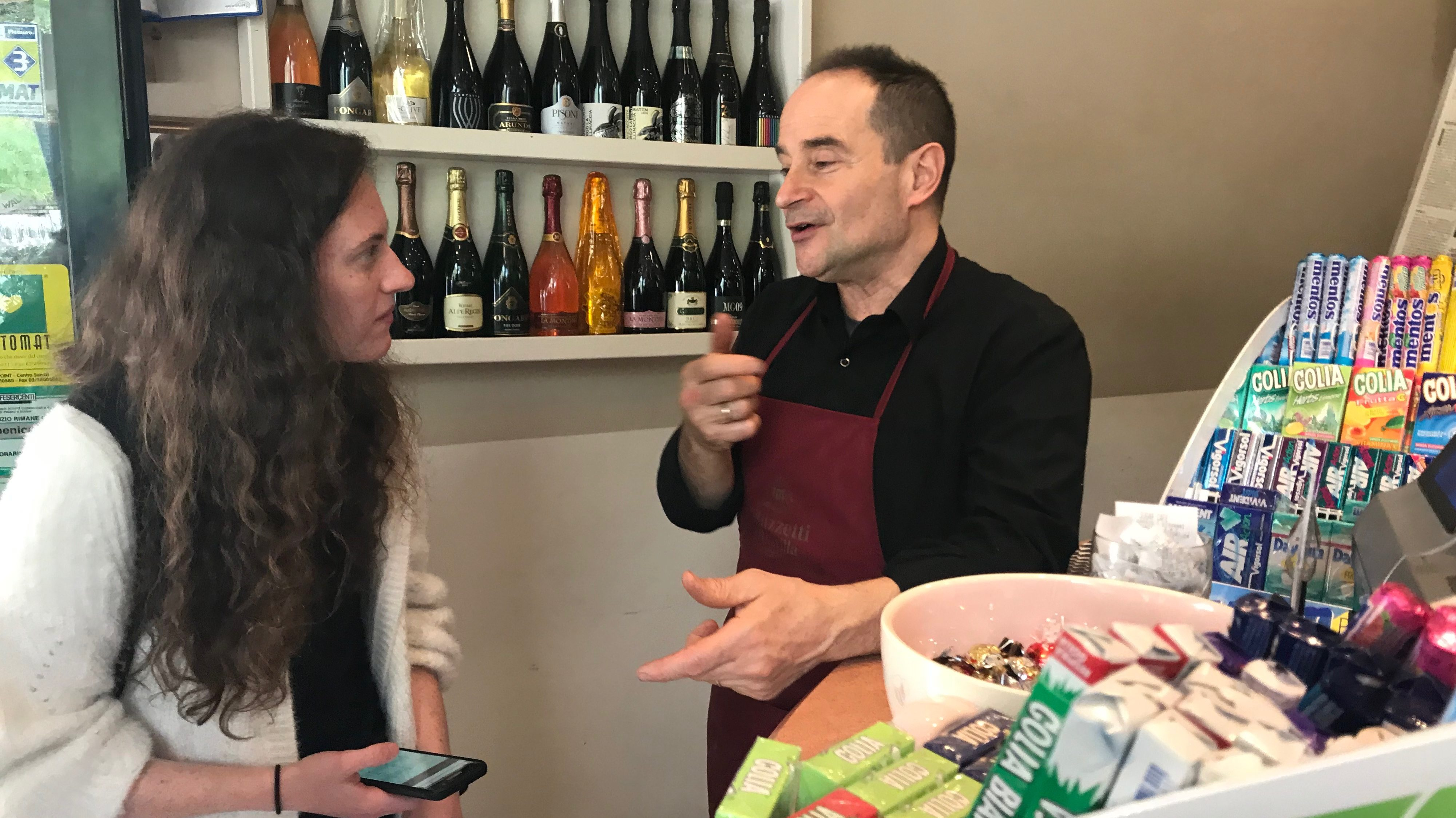 Giovanni Garbugli chats with Maureen McDonald about how to make the perfect cappuccino. Photo by Rachel Cessna