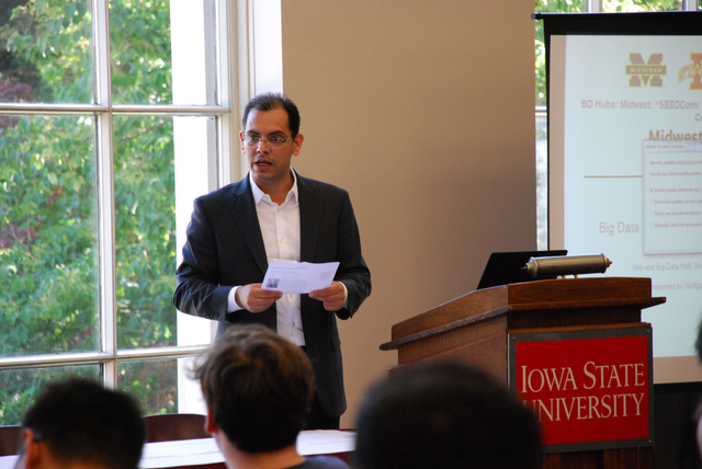 Hridesh Rajan, professor in the Department of Computer Science and the Kingland Professor of Data Analytics, at the 2016 Midwest Big Data Summer School.