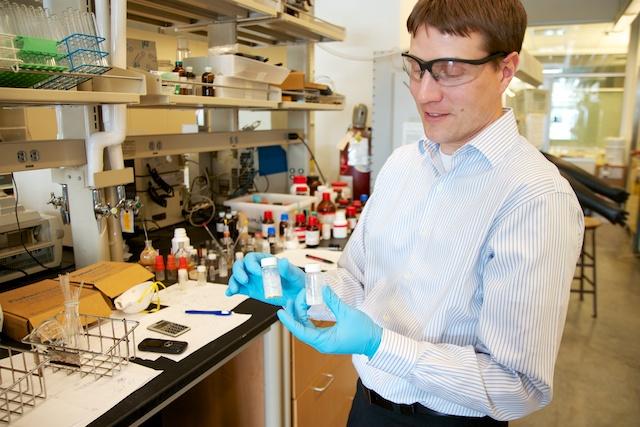 Levi Stanley works on improving green methods for catalytic chemistry.