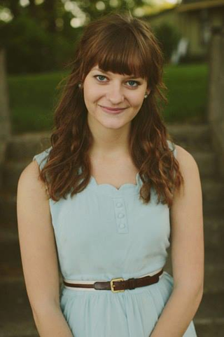 Portrait of Elizabeth Todd outside.