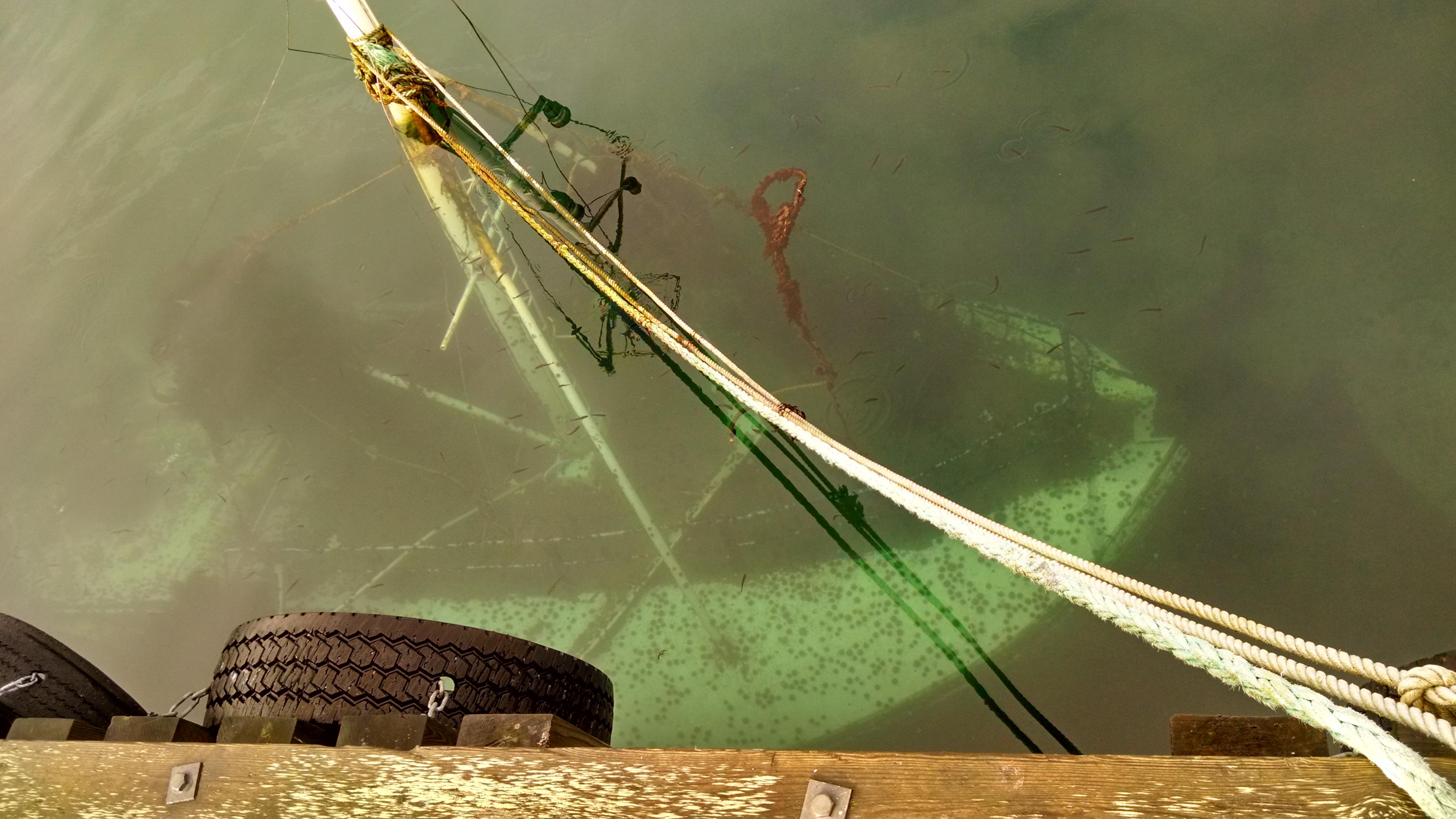 A sunken boat in Havoysund